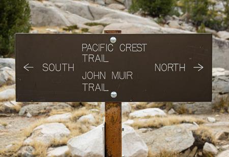 john muir wilderness: Pacific Crest Trail y John Muir Trail norte y sur signo