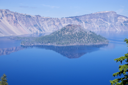 Crater Lake and Wizard Island Banco de Imagens - 92999263