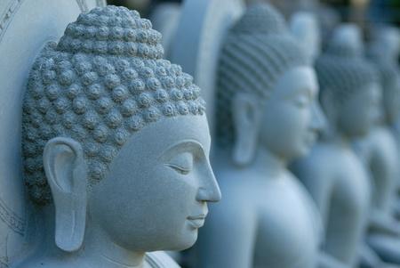 bouddhisme: la sculpture de buddha