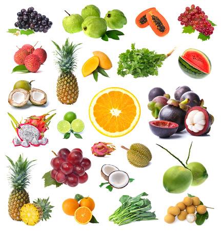 frutas tropicales: Gran p�gina de frutas y verduras aislados sobre fondo blanco Foto de archivo