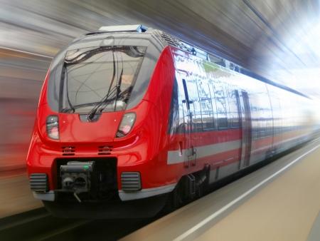 Fast train in blurred motion Foto de archivo