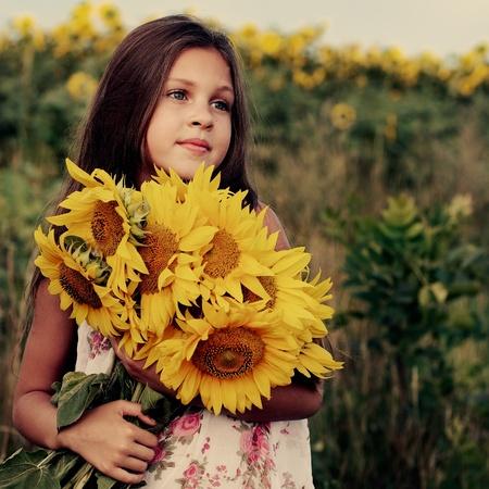 Une petite fille est dans le domaine Banque d'images - 10417617