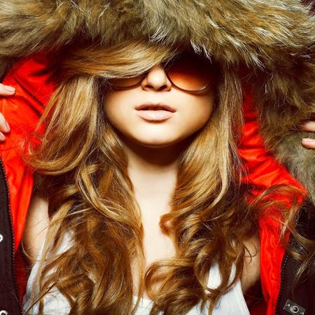 Une photo de la belle fille sexuelle est dans le style de la mode Banque d'images - 10936934