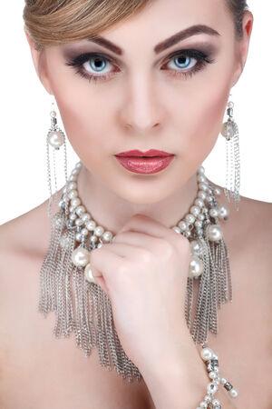 girls naked: Портрет сексуальность whiteheaded молодая женщина с красивыми голубыми глазами на белом фоне
