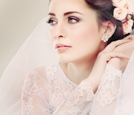 winter wedding: Portrait of beautiful bride  Wedding dress  Wedding decoration Stock Photo
