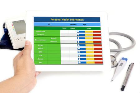 salud: La informaci�n del paciente de salud electr�nica en la tableta.