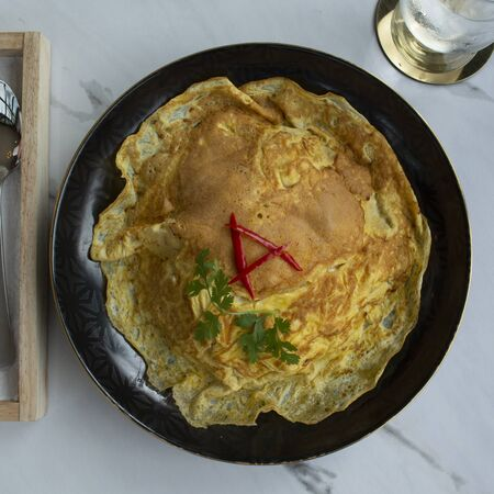 Top view of delicious omelet rice.