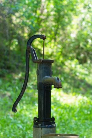 bomba de agua: Bomba de agua vieja retro