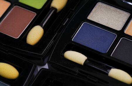 Colorful eye shadow palette Imagens