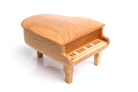 piano: caja de m�sica de piano aislado en fondo blanco Foto de archivo