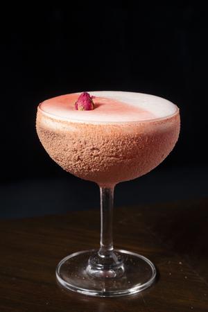 Plum cocktail on wood table Stock fotó