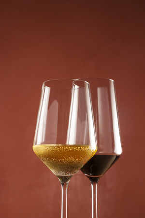 Red win and white wine in glasses Stock fotó