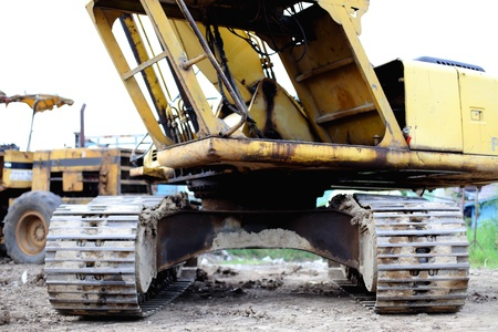 in disrepair: Costruzione escavatore pale cingolate rovina