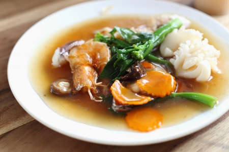 Seafood noodle in thailand Stock Photo - 21465428
