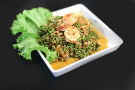 Shrimp salad with fresh vegetables Stock Photo - 21639704