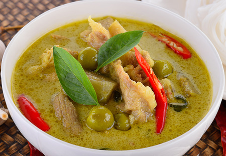 Beef or chicken green curry Фото со стока