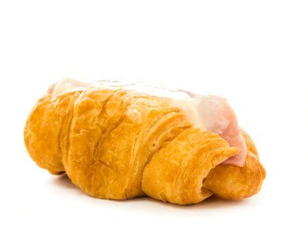 jamon y queso: queso croissants de jam�n en el fondo blanco Foto de archivo