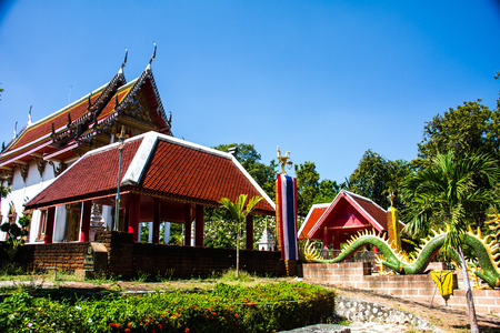 acute angle: Thailand is located in front of the temple of art from community forests .