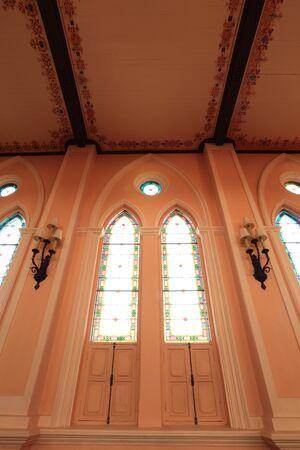 window church: Chiesa finestra Editoriali