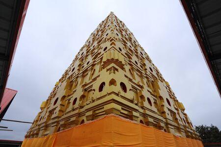 サンカブリー、カンチャナブリ、タイで仏舎利塔 Phutthakhaya 写真素材
