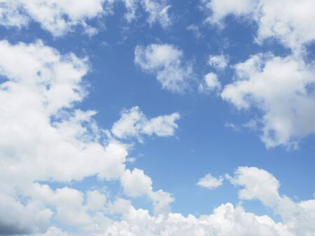 cloud on clear sky - image for artwork Banque d'images - 128997703