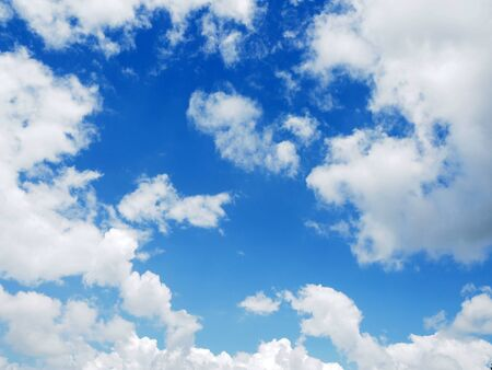 cloud on clear sky - image for artwork Banque d'images - 128997708