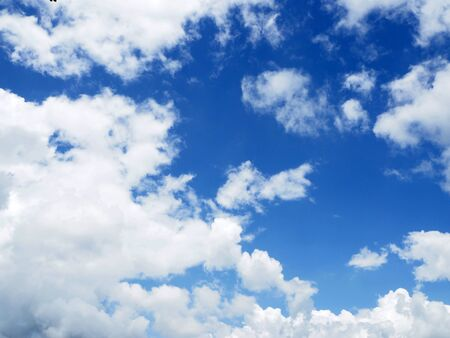 cloud on clear sky - image for artwork Banque d'images - 128997713