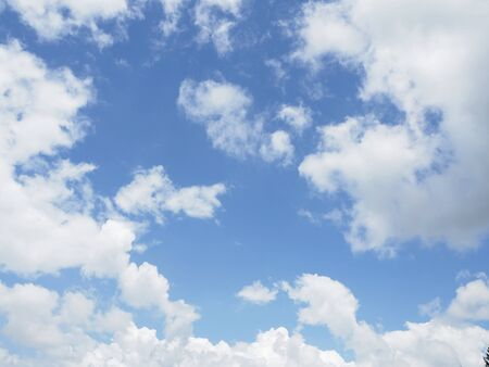 cloud on clear sky - image for artwork Banque d'images - 128997715