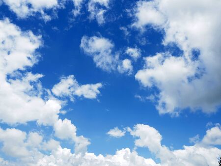 cloud on clear sky - image for artwork Banque d'images - 128997707