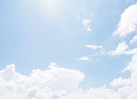 cloud on clear sky - image for artwork - Bright tone Banque d'images - 128997724