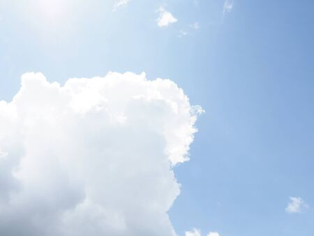 cloud on clear sky - image for artwork - Bright tone Banque d'images - 128997719