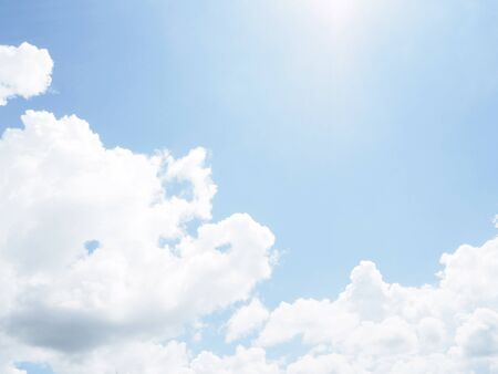 cloud on clear sky - image for artwork - Bright tone Banque d'images - 128997721