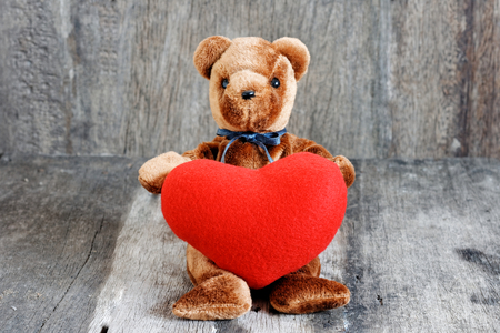 Toy bear doll For give to special one in valentines day. 版權商用圖片 - 122523813