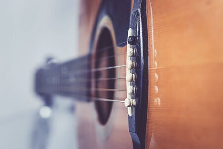 middle joint: Acoustic guitar