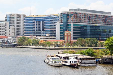 medical school: Bangkok - February 21, 2015: Siriraj hospital is the first hospital and medical school in Thailand, located at the West bank of Chao Phaya river in Bangkok.