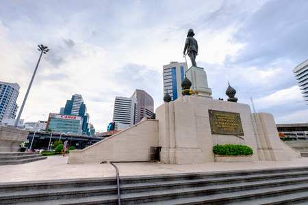 lumpini: Bangkok, Thailand - May 25, 2016: The monument of king RAMA VI in front of Lumpini park, in a center of business district in Bangkok, Bangkok skyscape, Bangkok city-scape, Bangkok, Thailand. Editorial