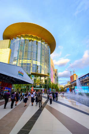 Bangkok, Thailand - Oct. 1, 2020: Siam Paragon mall in Siam Square mall on in Bangkok, Thailand. With 300,000 m 2 of retail space Siam Paragon is one of the largest malls in the world. Редакционное
