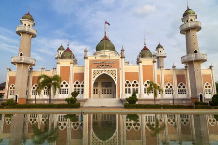 pattani thailand: Pattani central mosque with reflection in Thailand