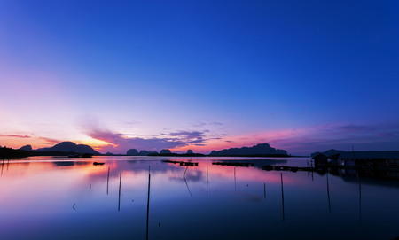 Beautiful sunrise or sunset over tropical sea scenery nature in thailand Archivio Fotografico - 115533902