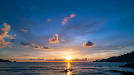 Beautiful Dramatic amazing Sky and clouds over sea Sunset or sunrise sky beautiful light of nature Landscape nature view Banco de Imagens