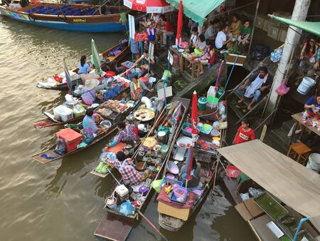 amphawa: Amphawa Floating Market is one of the most popular weekend getaways for the Bangkokians, especially for those who enjoy eating seafood.