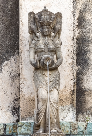 Traditional statues in bali  Imagens