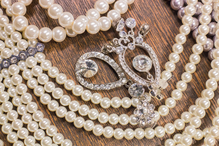 ear rings: Pearls and ear rings jewelry jewelry