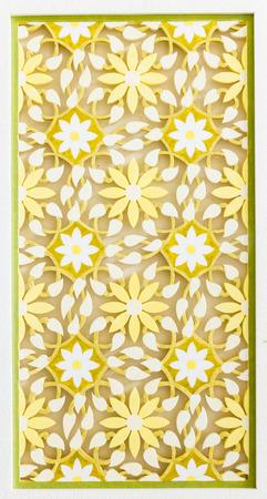 tallado en madera: Ansia de madera con el patrón de flor