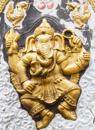 worshipping: Ganesh