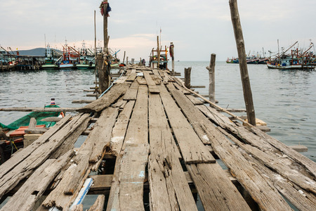 saturation: wooden pier , low saturation