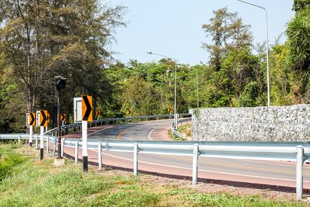 curve road: curve road signal