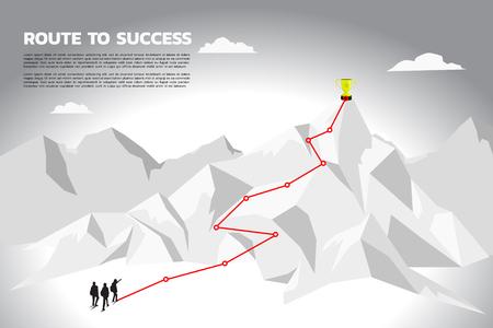 Het zakenmanplan van het silhouetteam om kampioenstrofee bovenop berg te krijgen. Concept van teamwork en planningspad in het bedrijfsleven