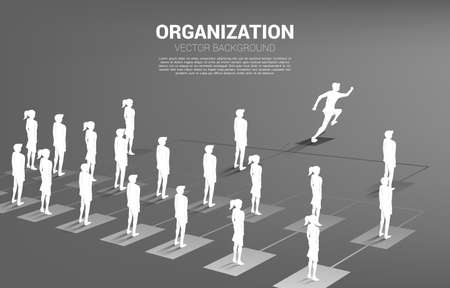 Silhouette of businessman running leading on organization chart . Business Concept of corporate structure and team hierarchy 版權商用圖片 - 163470308