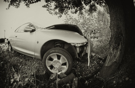 Car Accident against a Tree, Italy Stock Photo - 12178646